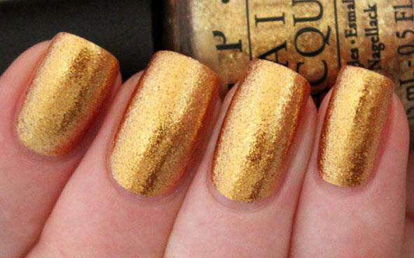 OPI - Goldeneye thumb