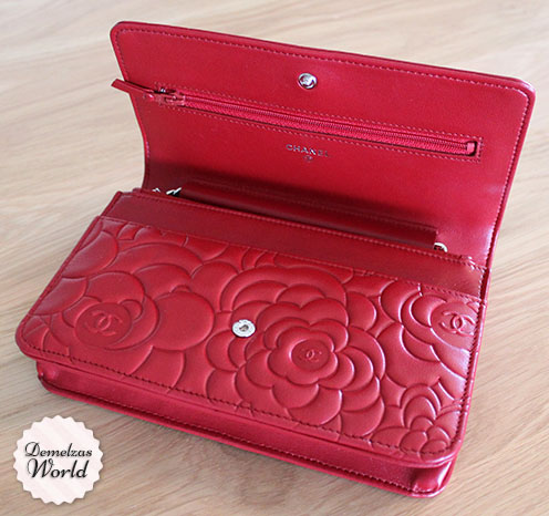 Chanel - WOC Camelia Red 8
